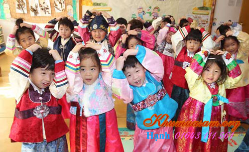 mua-hanbok-cho-be-o-dau-2